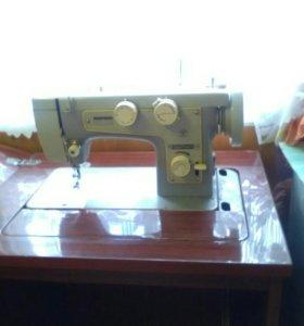 Швейная машина с ножным приводом.Подольск