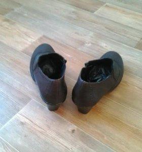 Туфли осенние рикер размер 39 новая