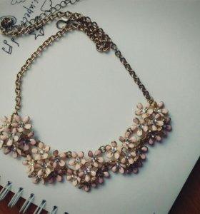 Ожерелье цветочное