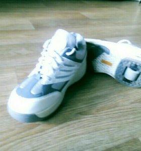 Кроссовки на колесиках