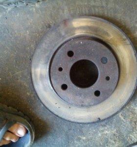 Тормозные диски R 13 вентилируемые