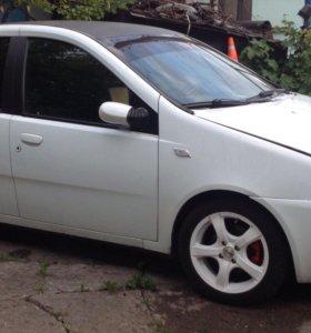 Автомобиль Fiat Punto