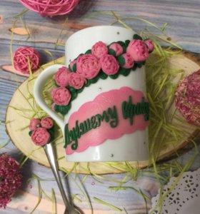 Кружка с ложкой с декором из полимерной глины
