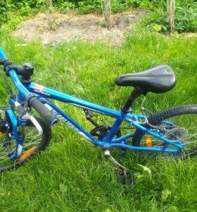 Детский велосипед specialized. Bicycle.