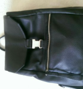 Рюкзак черный городской женский