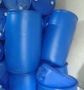 Бочка пластиковая 200л с пробками