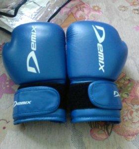 Боксёрские перчатка