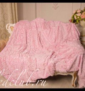 Плед с сердечками розовый