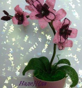 """Цветок """"Орхидея из бисера"""""""