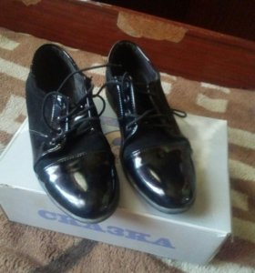 Туфли 28 размер новые