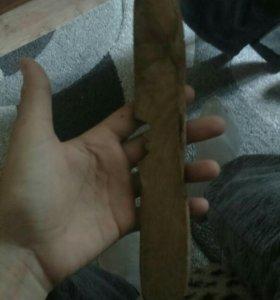 Нож из агарового дерева