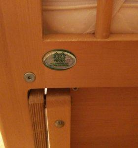 Детская кроватка-маятник с двумя ящиками, матрасом