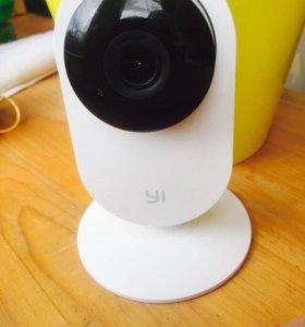 Умная Ip камера xiaomi yi home camera white