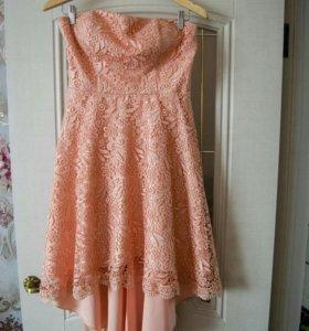 Продам кружевное платье.