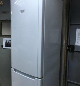 Холодильник Hotpoint 1180/04