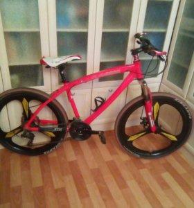 Продам велосипед BMW X1 Red.