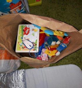 4 пакета для мальчика/конверт/игрушки-цена за всё