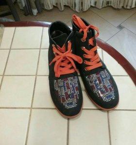 Ботинки 34 размер