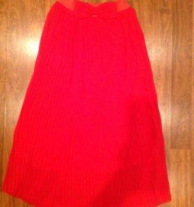 Новая длинная красная юбка