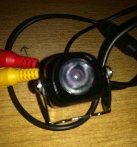 Камера заднего вида универсальная в авто E860