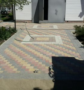 Укладка брусчатки и тротуарной плитки