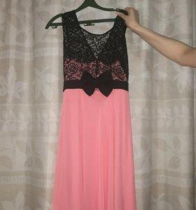 Вечернее платье в пол ,одевали два раза.