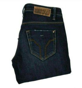 Новые фирменные джинсы