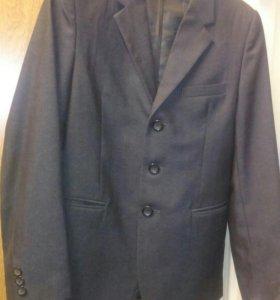 Продам пиджак серый щкольный