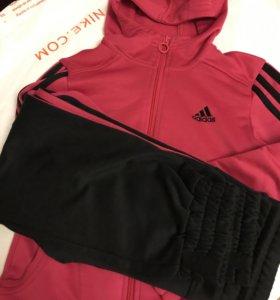 Спортивный костюм adidas 122-128