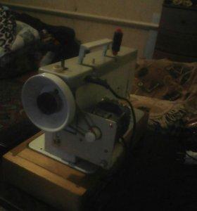 Электрическая швейная машинка Чайка