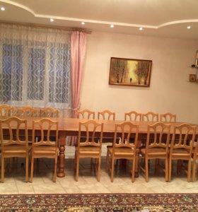 стол длиной 5.5м и 16 стульев