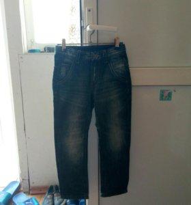 Детские джинсы на мальчика 6-7лет