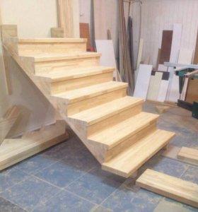 Лестница из сосны, лиственницы.