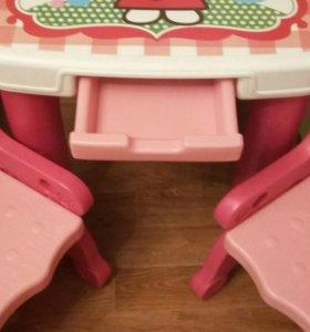 Стол детский и два стульчика