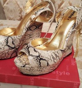 Обувь новая. 38