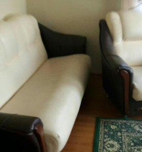 Продается диван и два кресла
