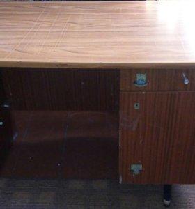 Письменный стол (самовывоз)