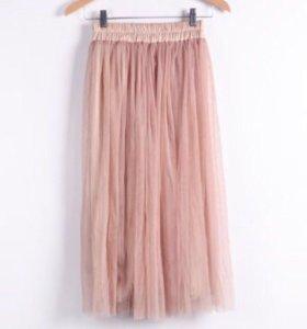 Бежевая юбка из Фатина , длинна миди