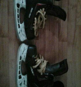 Хоккейные коньки BAUER VAPOR X60 LE, размер 8 D