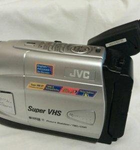 Касетная видеокамера JVC