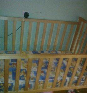 Детская кроватка с ортопедическим матрацом