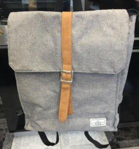 Рюкзак в идеальном состоянии
