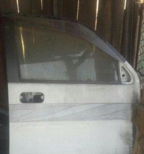 Правая передняя дверь от Honda stepwgn