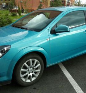 Opel Astra GTC, 1.6 АТ, 2010 год.