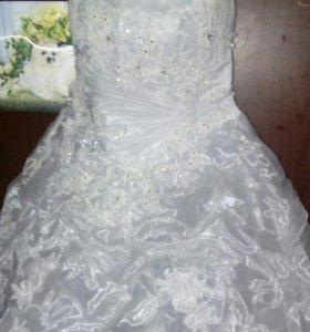 Свадебное платье размер 48