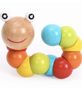 Деревянная игрушка гусеничка