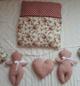 Подушка и гирлянда на кроватку