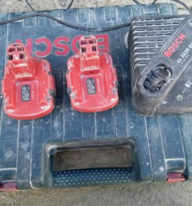 Продаю аккумуляторы и зарядник BOSCH