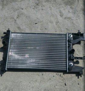 Радиатор Opel Astra J