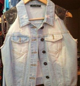 Рваная джинсовка